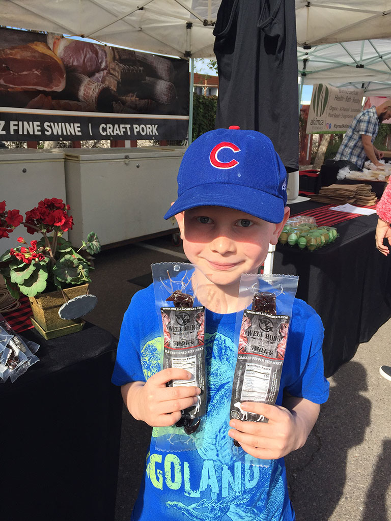 This adorable Chicago Cubs fan